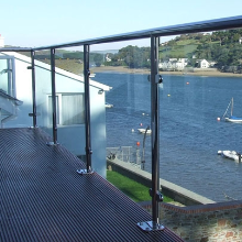 304 316 Stainless Steel Post Tempered Glass Balcony Railing Designs