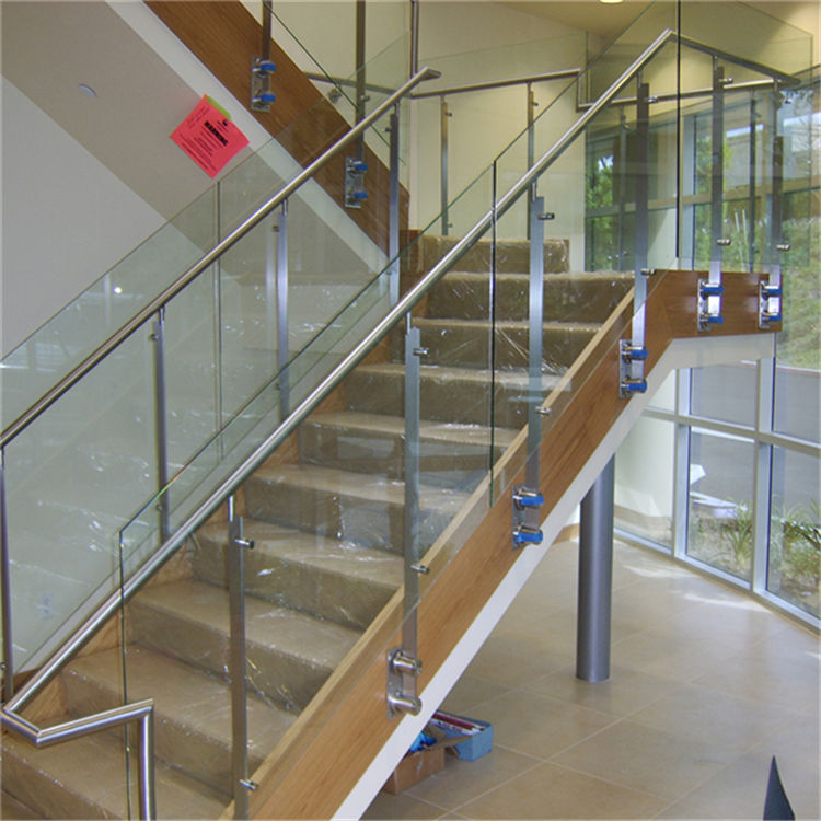 Genial Side Mount Stainless Steel Solid Flat Baluster Glass Railing Design